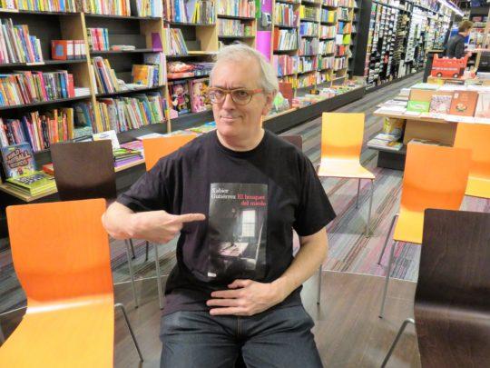 Xabier Gutiérrez, antes de presentar su último libro en Bilbao (foto: Cuchillo)