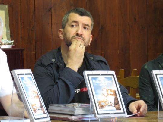 Josema Azpeitia, pensando el el próximo atracón (foto: Cuchillo)