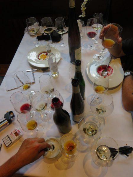 Así lucía nuestra mesa en Zezilionea (foto: Cuchillo)