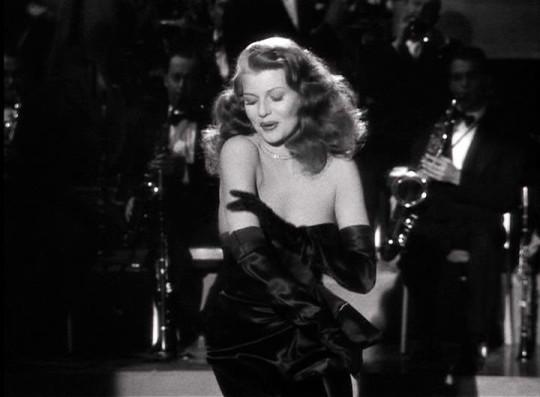 Rita Hayworth, salada, un poco verde y bastante picante.