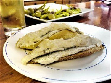 Anchoas con crema de centollo, del Txepetxa (foto: Mikel Otto)