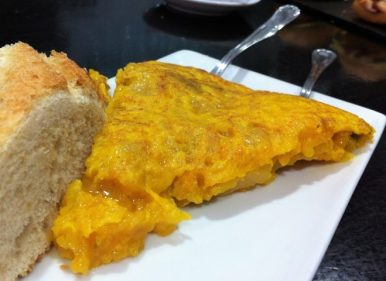Tortilla de patata del bar Zabaleta (foto: Cuchillo)