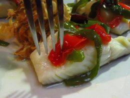 Bacalao con piperrada, en Zelaia (foto: Cuchillo)